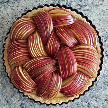 How to present apples in open baked pies, flan & tarts #applepie #flan #cakedecoratingideas
