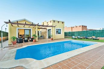 "One of our new villas for 2018 is Villa Sammia in Fuerteventura.  Handpicked by our Contractor Lauren, she tells us why she chose this villa…  ""I love Villa Sammia because it's a great all-rounder, with something to suit all members of the family."""