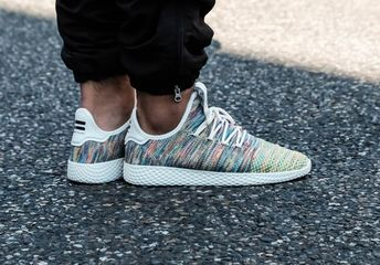 timeless design 2a8f0 917c0 pharrell williams adidas tennis hu multicolor (2018)