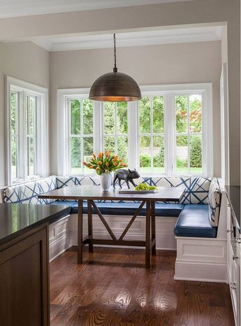 Great Seating Ideas: How to Mix Chair Styles in Dining Rooms