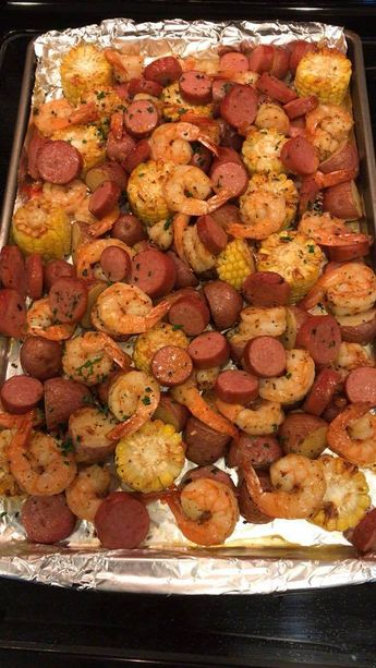 Easy, make-ahead foil packets packed with shrimp, sausage, corn and potatoes. It's a full meal with zero clean-up!  Please pin the recipe Thanks The traditional shrimp boil is converted to an easy peasy foil packet dinner option.   And the best part comes in two – there's zero clean-up and you can also prep this ahead of Read More