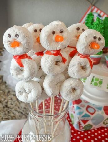 14 Delicious Christmas Doughnuts That Definitely Loved by Kids