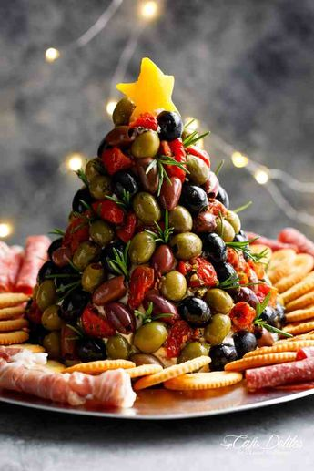 THE BEST HOLIDAY CHEESE BALL! | cafedelites.com