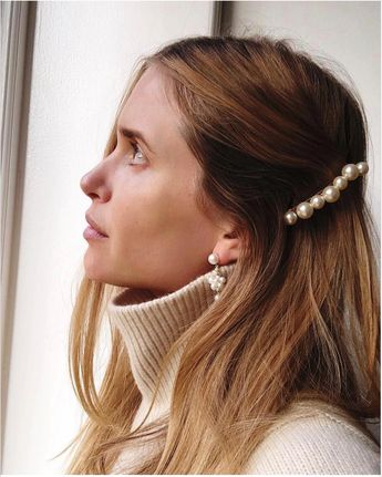 17 Stunning (& Simple) Party Hair Looks Our Editors Are Wearing This Holiday Season