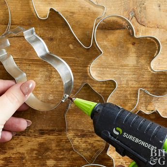 Deck the Halls with This Insanely Easy Cookie Cutter Wreath