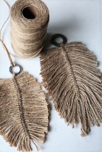 DIY: Macramee feathers from jute yarn, see more at blog elsass