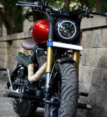 Thundercat ~ Royal Enfield Thunderbird 500 by Bulleteer Cus