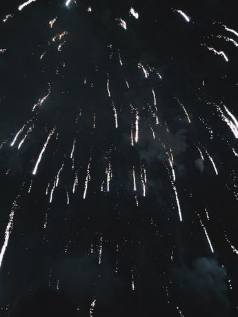 """mczarts: """" 1.1.16 // my favorite fireworks are the ones that look like someone threw glitter into the sky """""""