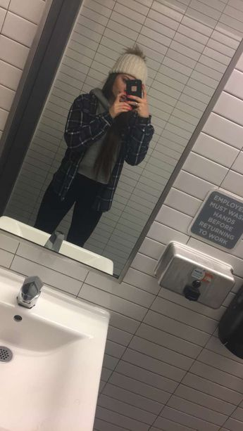 Flannel+ cutoff sweatshirt+ beanie ☺️🌲⛄️❄️ insta @lizaa_ash