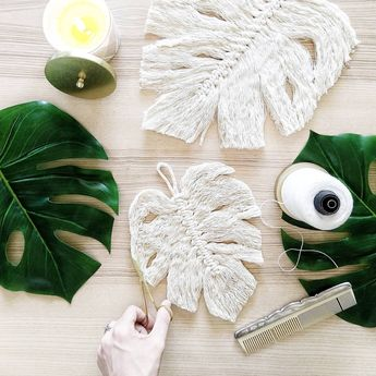 Hello fellow crafters and artists! I finally uploaded the Macramé Monstera leaf tutorial that has been so highly requested by you guys…