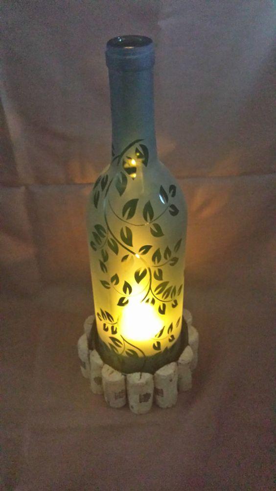 Candela per bottiglie di vino incisa con foglie cadenti di CronusCustoms