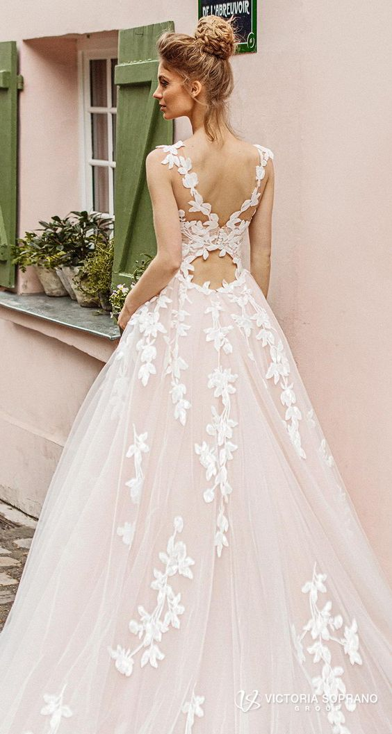 All kinds of romantic in one stunning collection wedding dresses!