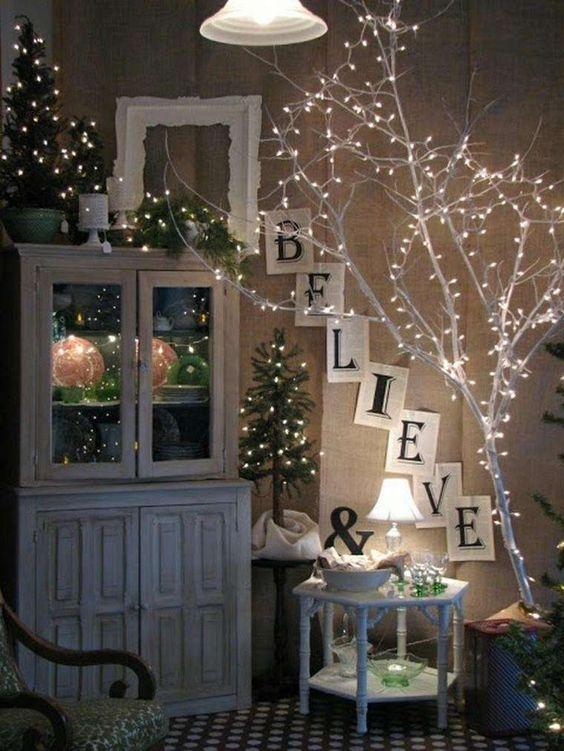 Decorazioni luminose natalizie per interni - Albero di Natale con luci
