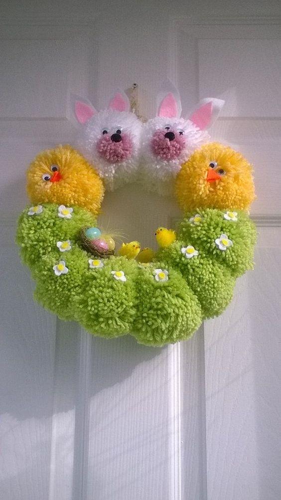 Ghirlanda a mano da pon pon, decorato con pulcini di Pasqua, fiori in feltro e altri abbellimenti, - #abbellimenti #altri #con #da #decorato #di #Feltro #fiori #Ghirlanda #mano #ostern #Pasqua #pon #pulcini