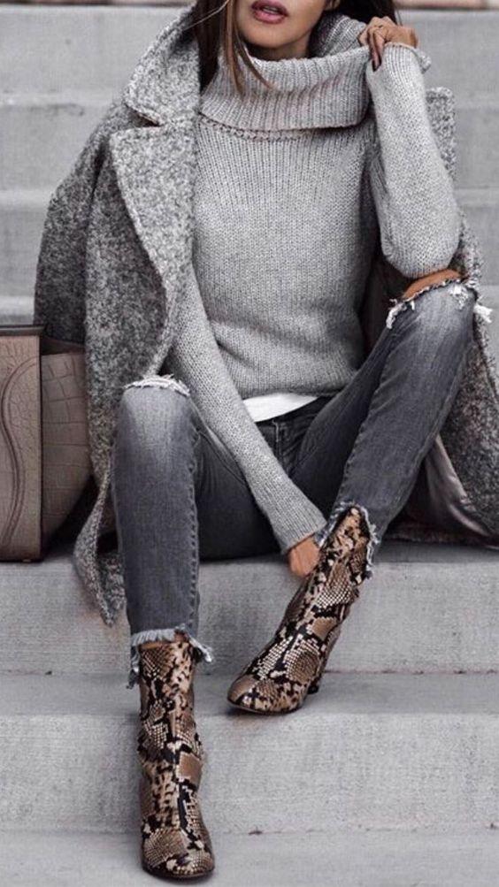 Lieben Sie dieses minimalistische Outfit mit Liebe zu tollen Schlangenmustern ... #dieses #liebe #lieben #minimalistische #outfit #schlangenmustern #tollen