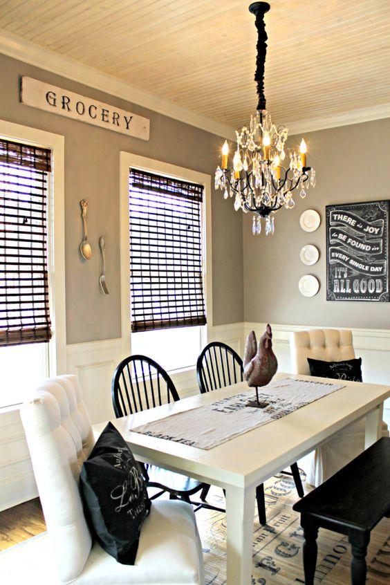 Charming Cozy Kitchen Nook
