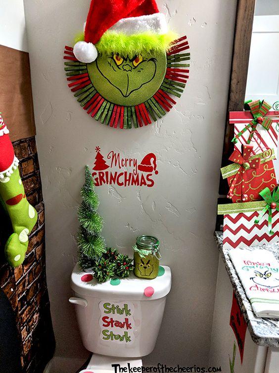 Grinch Bathroom Ideas, Grinch bathroom, how the grinch stole christmas, Christmas bathroom, Christmas decor, Grinch decor, Grinch #christmas, #grinch #thegrinch #christmasdecor