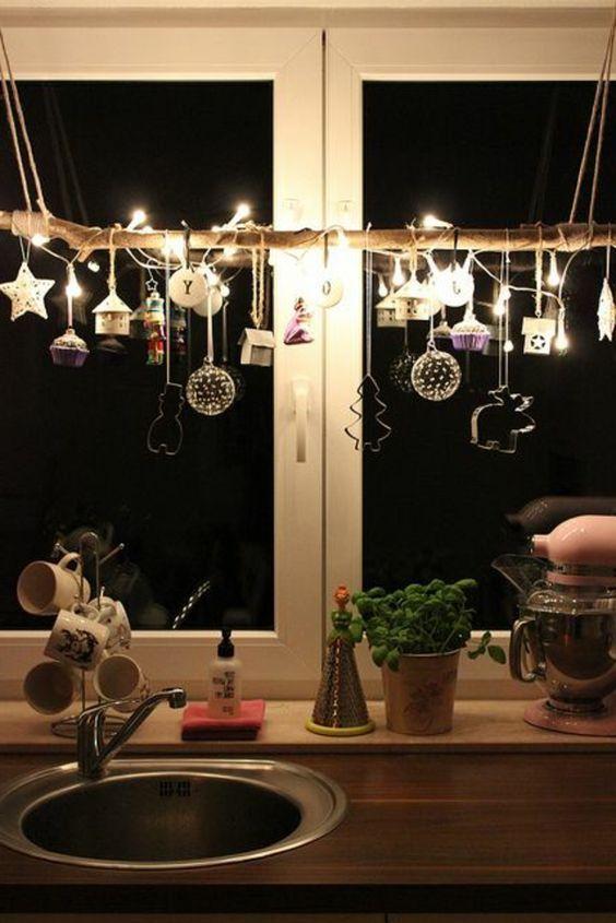 Decorazioni sospese per Natale! 15 bellissime idee per ispirarvi... Decorazioni sospese per Natale. Se vi piacciono le decorazioni particolari per rendere magico il vostro Natale, questo post è fatto per Voi. Oggi abbiamo selezionato 15 bellissime...
