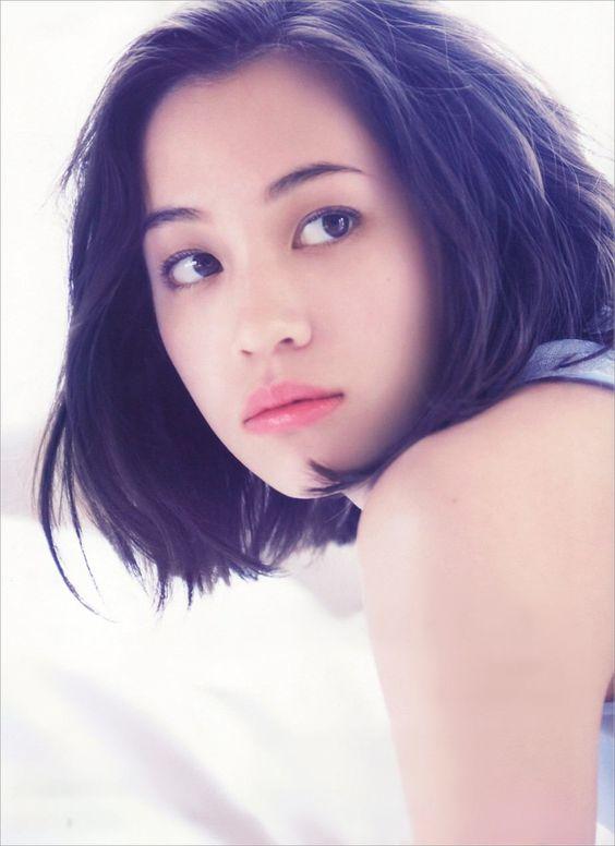 唇の綺麗なかっこいい水原希子