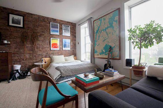 Giant map bedroom - men's bedroom inspiration