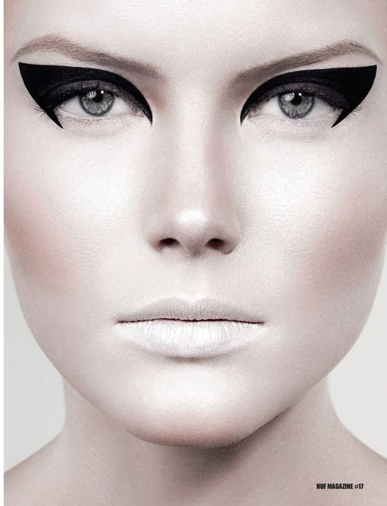 Hair and Makeup: NEW PROMOTION Real Techniques -$10 ... www.youtube...