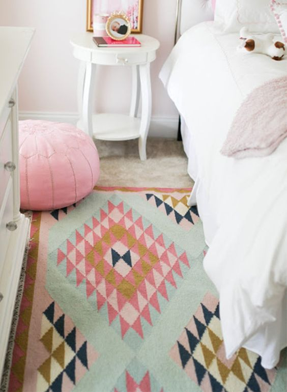 Giveaway: Decorative Accessories for your Home - Lulu & Georgia Moroccan Pouf
