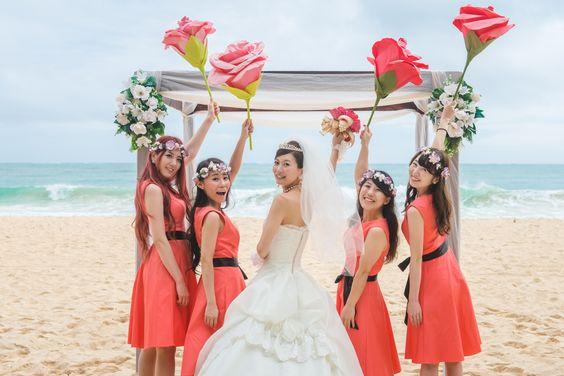 Hawaii wedding 💍 . お揃いの衣装と、新婦様とお揃いの ジャンボフラワーがステキ💐💖 . ♥︎・。.。*♥︎*。.。・*♥︎*・。.。*♥︎ #ハワイ #hawaii #ブライズメイド #海外挙式 #ハワイ好きな人と繋がりたい #ガゼボ #海好きな人と繋がりたい #プレ花嫁 #プレ花嫁準備 #プレ花嫁さん #プレ花嫁さんと繋がりたい #ウェディングアカウント #花嫁 #花嫁準備 #ハワイ前撮り #ハワイ後撮り #ハワイウェディング #ハワイ婚 #ハワイ挙式 #ウェディングドレス #ウェディングドレス試着 #ドレスレポ #ドレス選び #2019春婚 #2019夏婚 #2019秋婚 #2019冬婚 #ビーチウェディング #weddingsofhawaii #エスクリ ♥︎・。.。*♥︎*。.。・*♥︎*・。.。*♥︎ 詳しくは☞ 【escrithawaii.com】で検索🎶✨