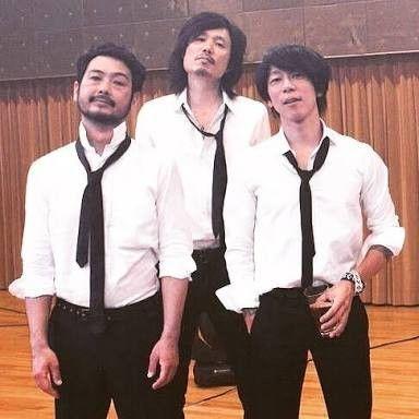 ワイシャツにネクタイのかっこいい細美武士