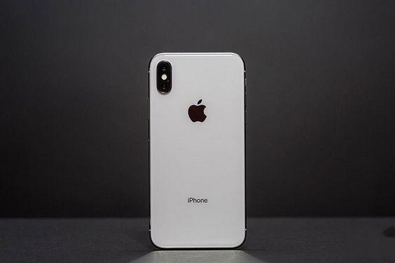 thay-mat-kinh-sau-iPhone-X-tai-ha-noi