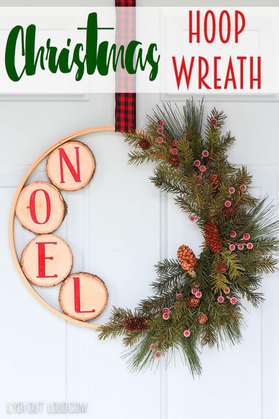 DIY Christmas Embroidery Hoop Wreath #DIYChristmasWreaths #ChristmasWreaths #DIYChristmasDecor #EmbroideryHoopWreath