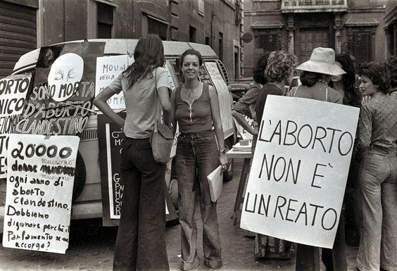 Legge 194 e aborto: quando l'obiezione di coscienza diventa violenza di genere