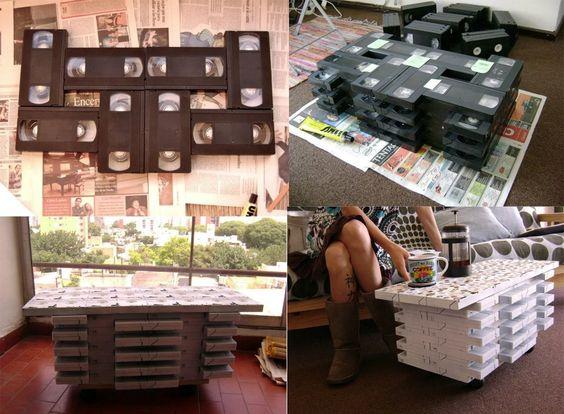 Mesa com fitas VHS