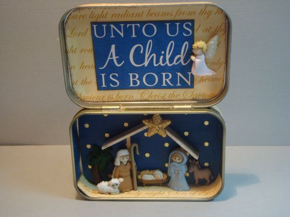 Christmas Nativity in an Altoid tin