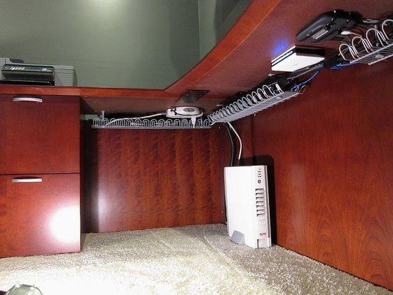 boas dicas para esconder ou disfarçar cabos e fios de energia e internet