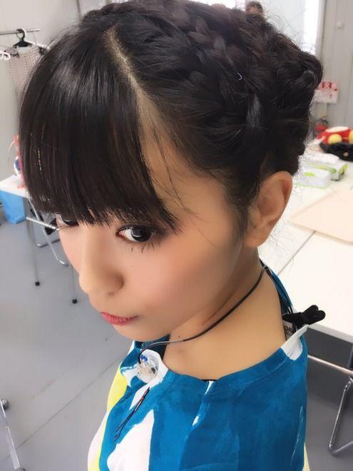 髪を結いあげたmiwa