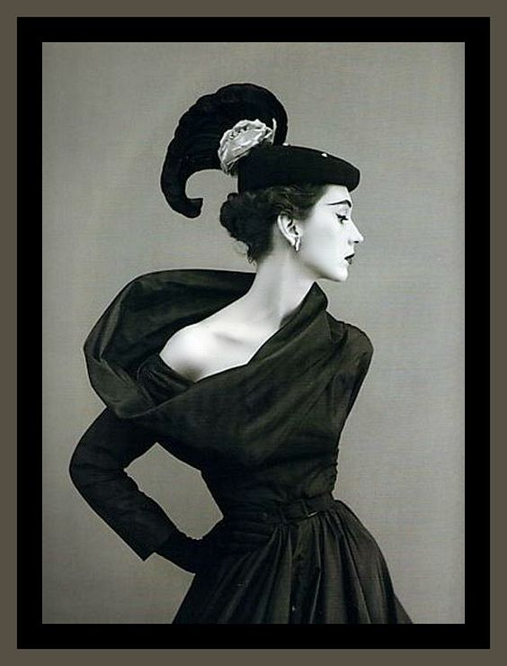 Dovima by Avedon. Image via Pinterest.