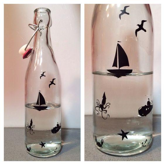 Bottiglia d'acqua decorata con vinile #silhouette #vinyl #acquabottiglia