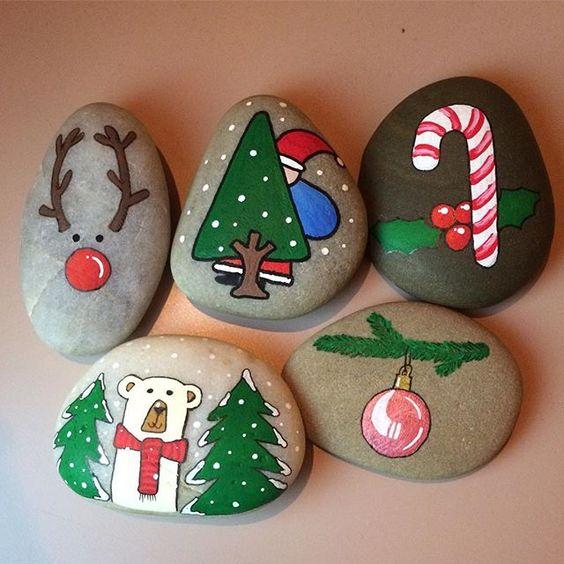 Julehygge #stonesbyn #stonesbynalbum #stoneart #stonepainting #christmas #cute #christmas2016 #miniart