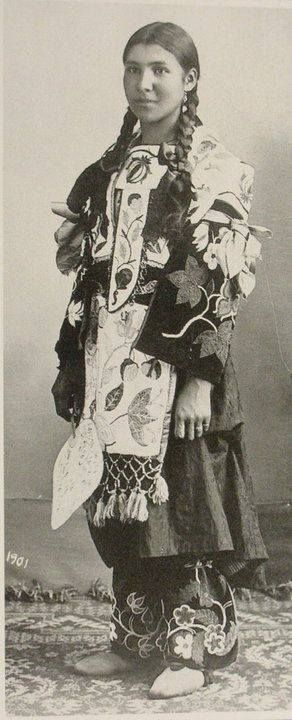 An Ojibwe woman. 1901 america Top 5 : America as a Source of Inspiration a444a3082ce349b7997333ef987fff20