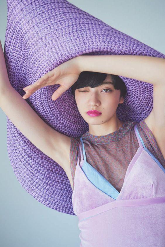 大きな帽子のオシャレで可愛い小松菜奈