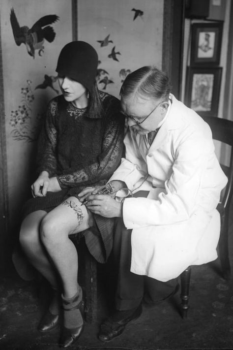 26 krasse Vintage-Fotos von Tattoos