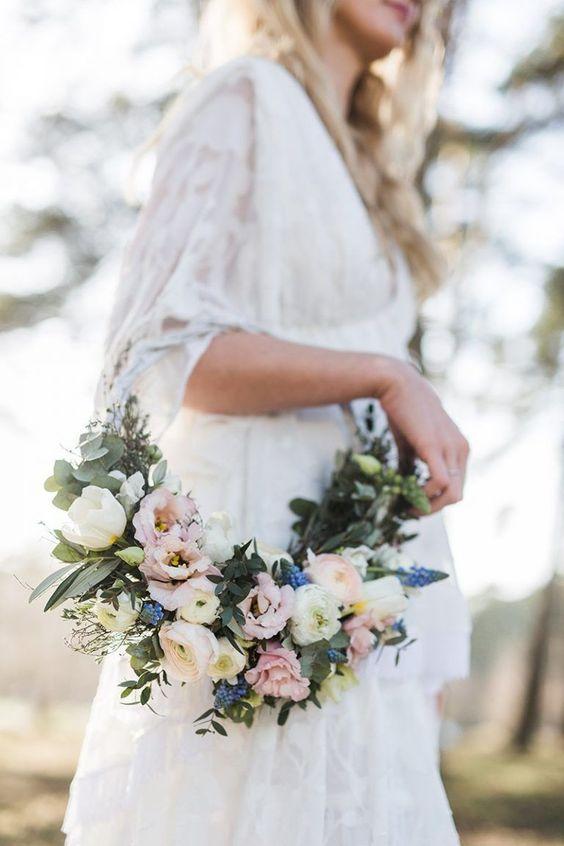 Des compositions florales aux reflet des bougies, voici les tendances mariage qui vont cartonner en 2019.