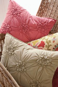 Easy Pillows Decoration