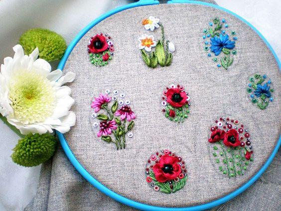 """Моя новая мини-коллекция """"Цветы Украины"""" почти готова #jewelryforwomen #bogdanaprots # embroidery #giftforwomen #jewelryforher #beadsplendour"""