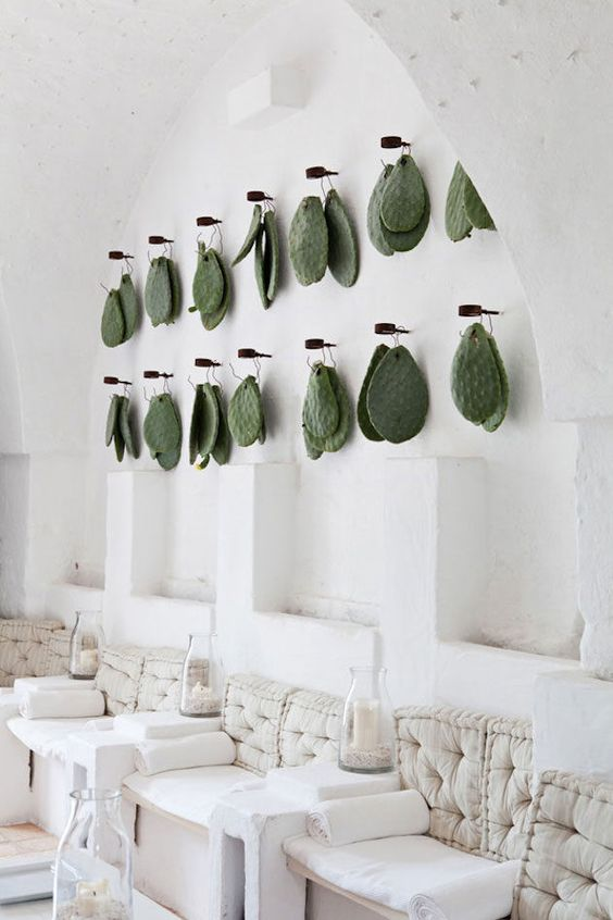 Wedding+Trend+Alert+|+Cactus+Paddles+|+Prickly+Pear+Cactus+|+Bridal+Musings+Wedding+Blog+8