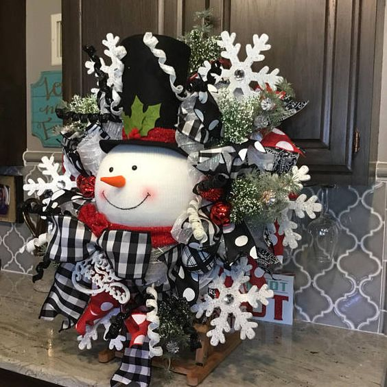Snowman Wreath, Christmas wreath, Christmas decor, Christmas decorations, black and white ribbon 34x34