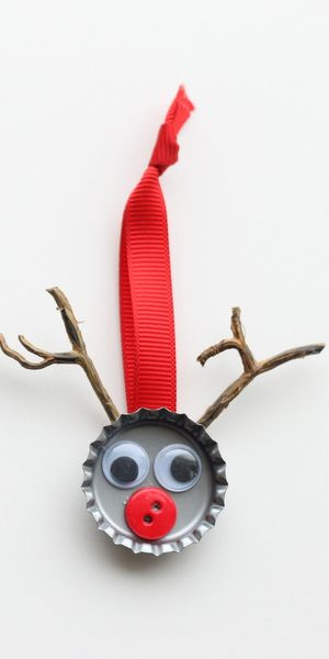 DIY Bottle Cap Christmas Reindeer Ornament