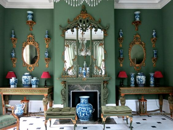 A Chinoiserie room in Carolyne Roehm's Charleston, SC home.