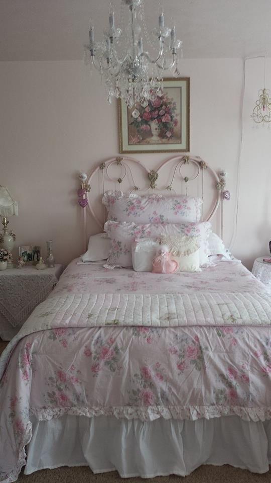 Pretty Romantic Bedroom