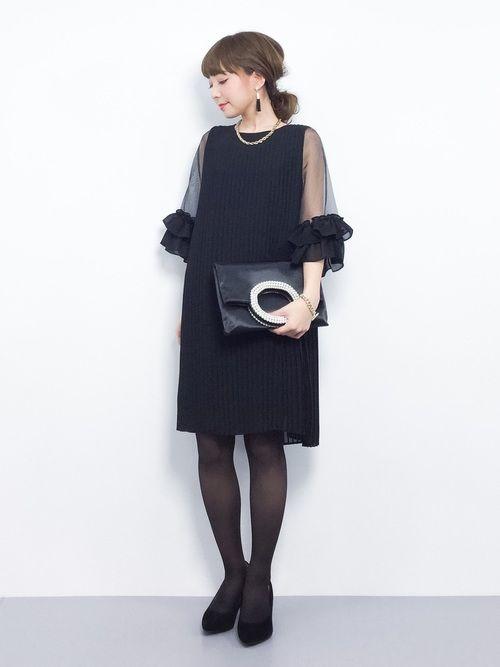 CAROLINA GLASERのワンピース「CAROLINA GLASER / シフォン プリーツ ワンピース」を使ったayumi ;)(ZOZOTOWN)のコーディネートです。WEARはモデル・俳優・ショップスタッフなどの着こなしをチェックできるファッションコーディネートサイトです。